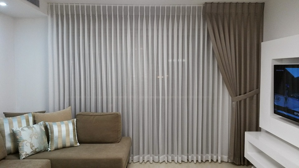 curtain-side-2153959_960_720