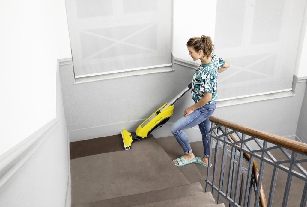 FC_5_Cordless_stairs_yellow_app_01_CI15_96 dpi (jpg)
