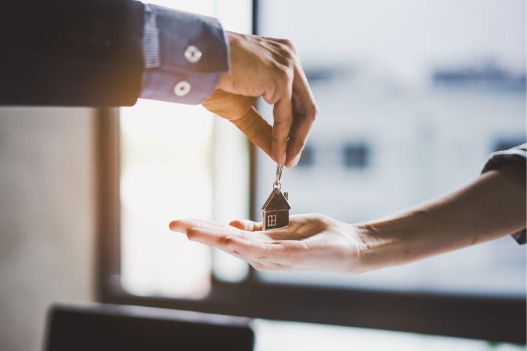 Lokální realitní kanceláře zákazníkům slibují solidní jednání a férový přístup Creative Commons (shutterstock.com)